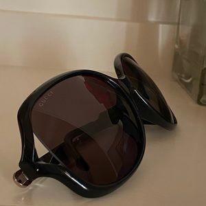 Brand new oversized Gucci sunglasses 🕶